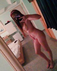 Novinha fez selfie no motel