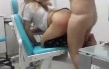 Dentista gostosa fodendo no consultório